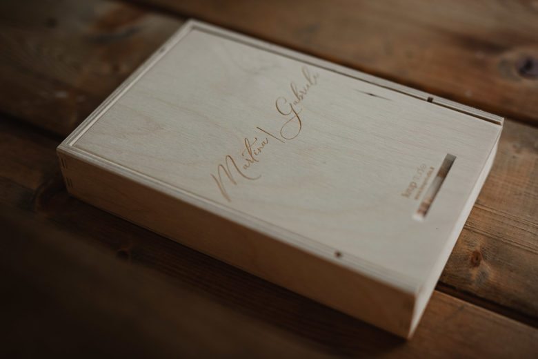 We provide wedding album packaging and photobooks in Italy
